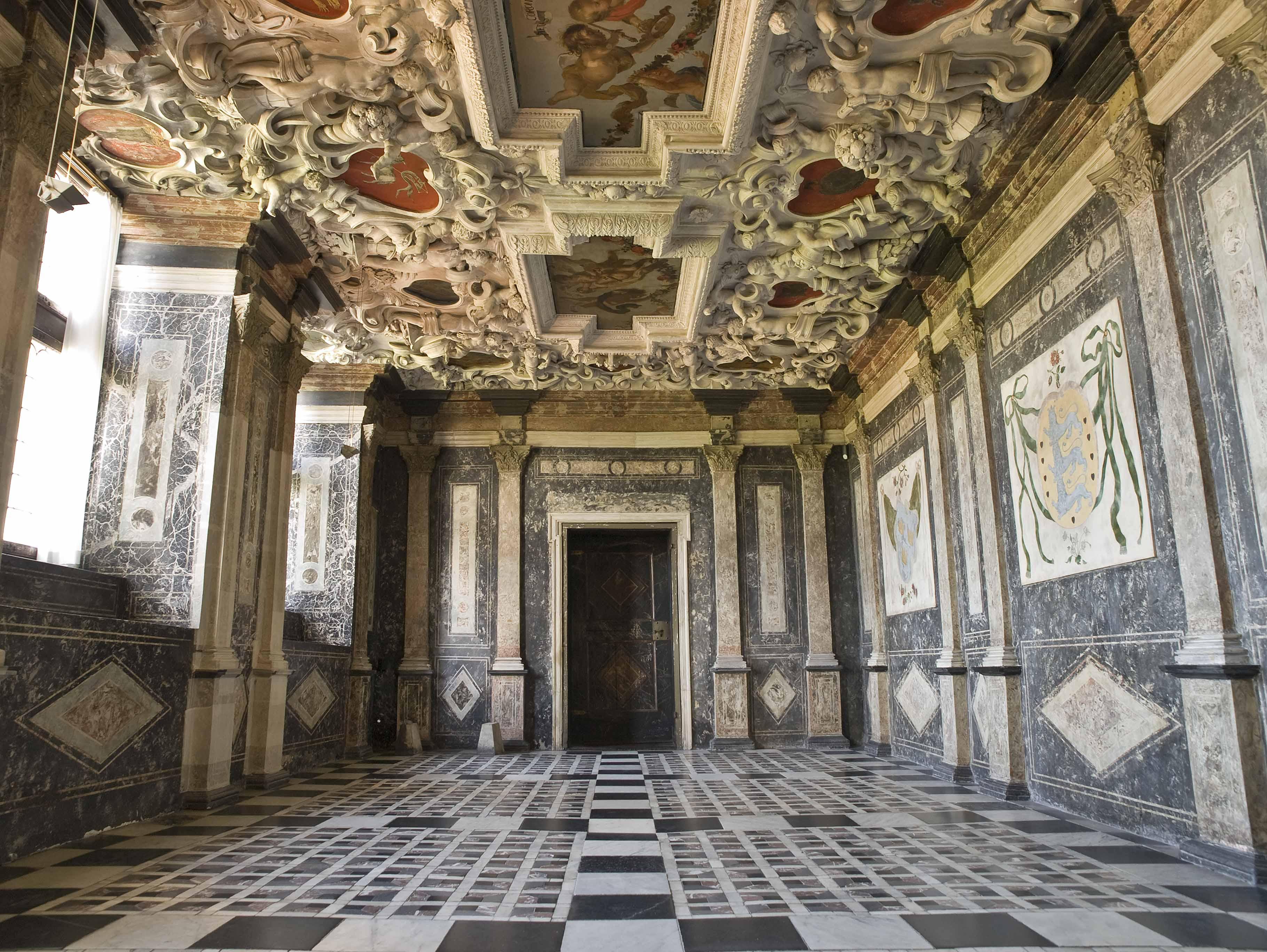 The Marble Chamber - Kongernes Samling
