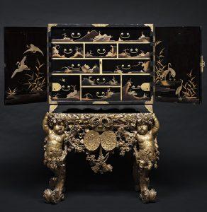 Japan i Kongehuset. Lakkabinet fra 1700-tallet