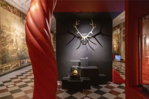 Gevir fra anskudt hjort, der kvæstede Christian 5.   Se den i udstillingen på Koldinghus indtil 31. oktober 2021