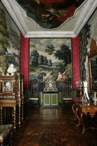 Tapet med nymfen Syrinx, forfulgt af guden Pan. I Frederik 4.s kabinet på Rosenborg.